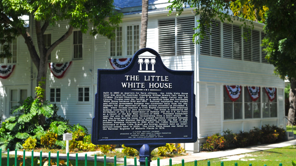 The little White House sign